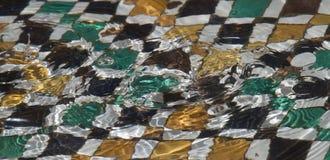 Пульсации в морокканском фонтане стоковая фотография rf