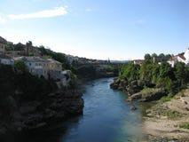 000 200 1993 1994 пуль гражданский воюя herzegovina Боснии продырявят убитые раковины ражей периода mostar к войне стены следов Стоковые Изображения