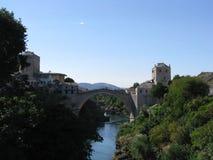 000 200 1993 1994 пуль гражданский воюя herzegovina Боснии продырявят убитые раковины ражей периода mostar к войне стены следов Стоковые Изображения RF