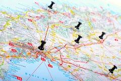 Пункты назначения выставок Pushpins на карте Стоковая Фотография RF