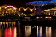 Пункт берег реков Кларка Quay на ноче Стоковая Фотография RF