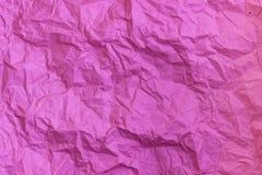 Пурпурная морщинка повторно использует бумажную предпосылку скомканная бумажная текстура Текстура rumpled старого бумажного конца стоковые изображения