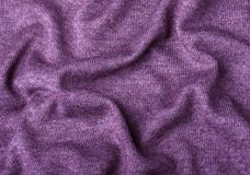 Пурпурный связанный конец текстуры ткани вверх Смогите быть использовано как предпосылка Селективный фокус стоковые фотографии rf
