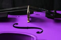 пурпуровая скрипка Стоковая Фотография