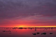 пурпуровый заход солнца моря Стоковая Фотография RF