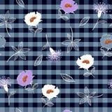 Пурпур нарисованный рукой и белизна красивого безшовного лета зацветая бесплатная иллюстрация