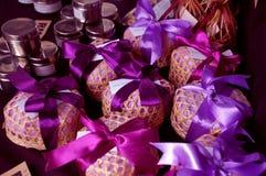пурпур подарка Стоковая Фотография
