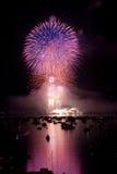 пурпур помоха феиэрверка Стоковая Фотография RF