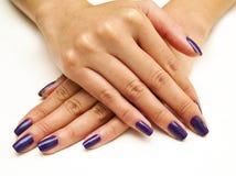 пурпур manicure Стоковая Фотография