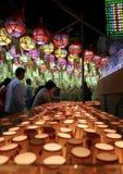 Пусан, Корея 4-ое мая 2017: Свечи молитве виска Samgwangsa Стоковые Изображения
