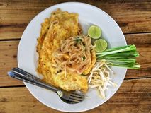 Пусковая площадка тайская; Тайская еда Стоковое Изображение RF