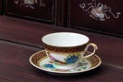 Пустая античная чашка чая Стоковые Фотографии RF