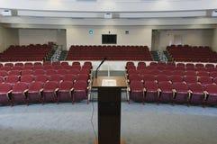 Пустая аудитория конференции стоковое изображение rf
