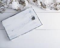 Пустая белая деревянная доска, салфетка ткани Стоковое Изображение