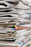 пустая белизна бумажного стога газет верхняя Стоковые Фото