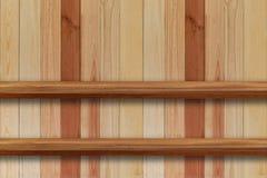 Пустая верхняя часть деревянных полок на предпосылке темной доски деревянной, для Стоковая Фотография RF
