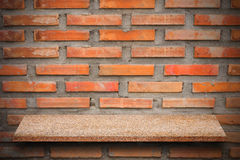 Пустая верхняя часть естественных каменных полок и предпосылки каменной стены Стоковое Фото