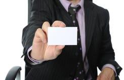 пустая визитная карточка вручая человека стоковое фото rf