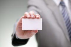 Пустая визитная карточка в руке Стоковая Фотография RF
