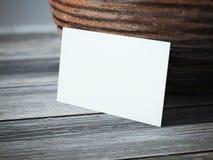 Пустая визитная карточка на таблице Стоковая Фотография