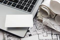 Пустая визитная карточка с диаграммой дома имущество принципиальной схемы реальное Взгляд сверху Стоковые Фотографии RF