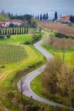 Пустая дорога на Toscana Стоковая Фотография RF