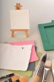 Пустая доска искусства, пустая бумага и порывы Стоковые Фотографии RF