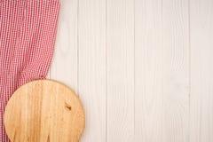 Пустая деревянная разделочная доска Стоковые Изображения