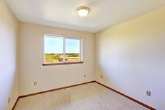 Пустая комната с взглядом окна Стоковое Изображение
