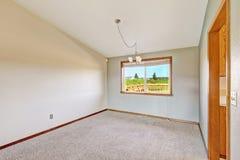 Пустая комната с сводчатым потолком Стоковое Изображение