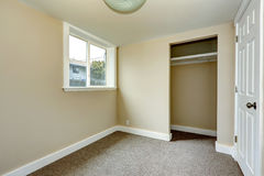 Пустая комната с шкафом Стоковые Фото