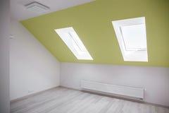 Пустая комната чердака Стоковое фото RF
