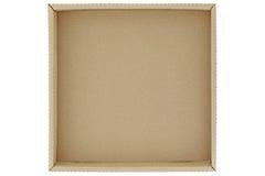 Пустая коричневая картонная коробка изолированная на белизне Стоковое Фото