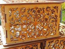 Пустая коробка с fretwork и ladybird стоковая фотография rf