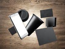 Пустая кофейная чашка, 2 визитные карточки и родового Стоковые Изображения RF