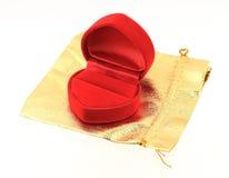 Пустая красная коробка кольца на белой предпосылке Стоковые Фото