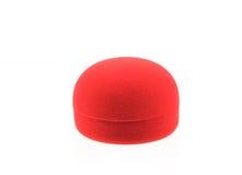 Пустая красная коробка кольца на белой предпосылке Стоковые Фотографии RF