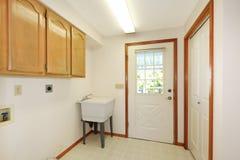 пустая нутряная белизна комнаты прачечного просто Стоковое Фото