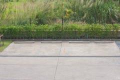 Пустая парковка автомобиля Стоковое Изображение