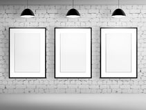 Пустая рамка 3 в комнате кирпича Стоковое Фото