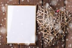 Пустая рамка и декоративное сердце для вашего дизайна Стоковая Фотография RF
