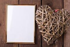 Пустая рамка и декоративное сердце для вашего дизайна Стоковые Фотографии RF