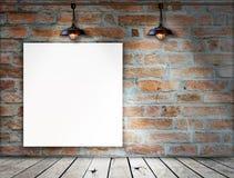Пустая рамка на кирпичной стене Стоковые Изображения