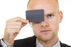 пустая рука карточки бизнесмена его детеныши Стоковое Изображение