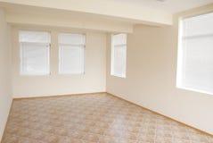 пустая светлая комната офиса стоковые фото