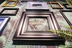 Пустая смертная казнь через повешение картинной рамки на стене для внутреннего художественного оформления Стоковое Изображение
