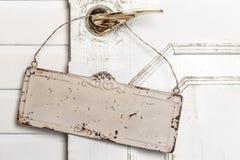 Пустая смертная казнь через повешение шильдика на двери Стоковая Фотография RF