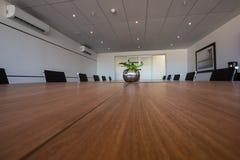 Пустая современная комната правления Стоковые Фотографии RF