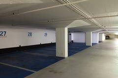 пустая стоянка автомобилей подземная Стоковая Фотография