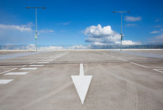 пустая стоянка автомобилей серии Стоковое Фото